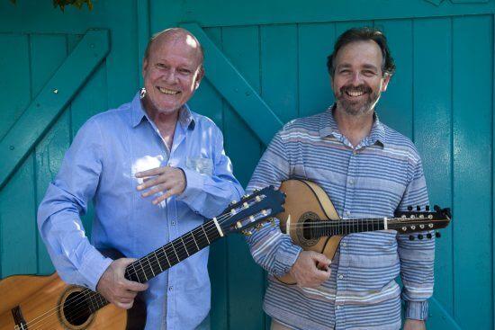 Mandolinisten Paulo Sá och gitarristen Bartholomeu Wiese.